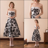 Wholesale printed plus size special occasion dresses for sale - Charming Strapless Print Black White Evening Dresses Gowns Tea Length Stock A Line Fashion Corset Sexy Party Dress Prom Formal Ball