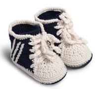baby sport garn großhandel-Häkeln Baby Jungen Mädchen Sportschuhe Prewalker Turnschuhe Neugeborenen Tennis Schuhe Gestrickte Baby Erste Wanderer Booties 0-12 Mt 100% Baumwolle Garn