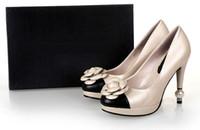 perlas genuinas para la boda al por mayor-Diseño de Celebridad de calidad superior Camellia flores Zapatos de tacón alto de Cuero Genuino Mujer sexy Perla de tacones altos zapatos de Boda 35-41