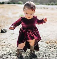 vestido de cola de milano de las muchachas al por mayor-2017 nueva moda Primavera Otoño Niñas Vestido de Terciopelo púrpura Dovetail Navidad de manga larga Vestido de Los Niños Ropa