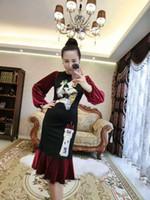 sehr gute kleider großhandel-Frauen neueste Welt Mode Gnade edle Retro-Kleider Rock schwarz Langarm Diamant Pailletten sehr gut Tuch
