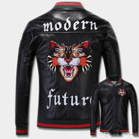 Wholesale clothes japan - Mens designer Windbreaker New Fashion Tiger Embroidery Bomber Jacket Men s PU Leather Motorcycle Pilot Jackets Clothing
