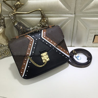 Wholesale American Wells - Classical style the well-known Brogue pattern to the Pochette Metis with double Golden key chain decoration shouder bag handbag day clutch