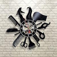 beste hausgeschenke großhandel-Friseur Friseur Salon Vinyl Wanduhr, beste Weihnachtsgeschenk für Freunde, Rekord, moderne Sonderanfertigung, Raum-, Wohn- und Bürodekoration