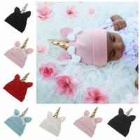 şapka kızı fotoğrafı toptan satış-Sonbahar 2017 toddler kış şapka toptan bebek unicorn moda şapkalar kapaklar kızlar kulaklar bere şapka bebekler kaput üst şapka bebek fotoğrafçılığı sahne