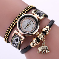 Popular Brand Women Watch Dress Fashion Pendentif éléphant d'or Montre bracelet de luxe Lucky Female Girl Casual Electronic