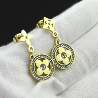 Wholesale Earring Cz Round - Round Diamond Shaped Clover Flower Stud Earrings With CZ Stone For Women Hot Selling New Fashion Luxury Design Jewelry Best Christmas Gifts