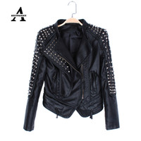 Giacca in pelle All'ingrosso-pelle nera donne punk rivetta Studded Motorcycle appuntito PU Streetwear Giacche Cazadora Cuero Mujer