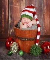 chapéus recém-nascidos do crochet do natal venda por atacado-Recém-nascido Crochet fotografia Chapéu de Natal Artesanal De Malha De Crochê Bebê Pé Set Bebê Longa Cauda Listrada Chapéu Newborn Fotografia Prop