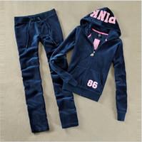 chándales de terciopelo rosa al por mayor-Spring / Fall 2018 PINK Women's Brand Tela de terciopelo Chándales Traje de terciopelo para mujer Chándal con capucha y pantalones TALLA S - XL