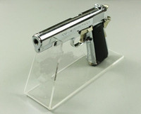 acryl-rackhalter großhandel-2pcs geben Verschiffenpistolenausstellungsstandgewehr-Anzeigenhalterart und weise Acryltelefon Turnschuh-Sandelholzschuh-Anzeigengestell für Gewehrmodell frei