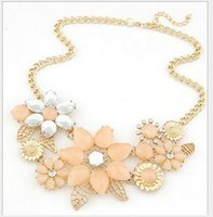 Wholesale Crystal Bib Necklace Wholesale - 2017 New Hot Beautiful Flowers Statement Necklace Bib Choker Necklace Fashion Women Jewelry Valentines' Day Gift