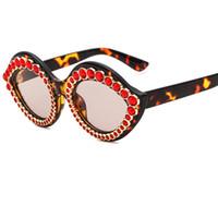 ovaler vintage diamant großhandel-2019new Mode Diamant Sexy Lippen Sonnenbrille Frauen Diamanten sonnenbrille Vintage Marke Designer Oval Shade UV400 Y252