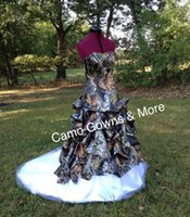 Wholesale Stapless Wedding Gowns - 2016 Hot! Camo Ball Gown Wedding Dresses Stapless Sleeveless Bridal Gowns for Women High Quality Puffy Lace Up Ruffle Vestidos De Noiva