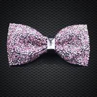 pajarita rosada para hombre al por mayor-Crystal Bow Ties Pink Color para hombre accesorios de moda del banquete de boda nuevo estilo ajustable Bow Ties F-204