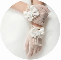 Wholesale Girls Lace Glove - Lace flower girl gloves Child Gloves with pearls Bow Cute Sheer Kids Gloves High Quality Full Finger Children Wedding Bridal Gloves