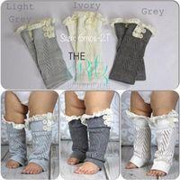 neue spitzenmanschetten groihandel-Neue heiße Verkaufs Beinlinge Baby aushöhlen Spitze warme Füße Satz von Knöpfen Baumwolle kurze Beine Stiefel Manschetten Baby Socken 2778