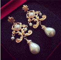 Wholesale Mother Bride Retro - Extravagant fashion palace pearl earrings retro baroque bride earrings two colors can choose