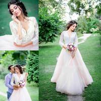 weiße lange kleider rosa großhandel-Weiß Und Hellrosa Brautkleider Spitze V-ausschnitt Halbe Langarm Garten Brautkleider Tüll Eine Linie Bodenlangen Sommer Brautkleider