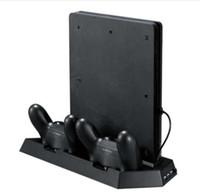 controlador ps4 más frío al por mayor-Soporte vertical para PS4 Slim / PS4 con ventilador de refrigeración Estación de carga con doble controlador 3 puerto USB adicional - Negro