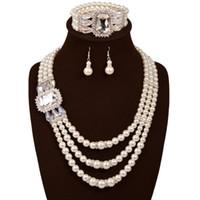 anel de coral de 18k venda por atacado-3 pçs / set Nobre Rodada Simulado Pérola com Cristal Superior 3 Pcs Conjuntos de Jóias 18 K Banhado A Ouro Colar Brincos Anel Para As Mulheres Senhoras casamento