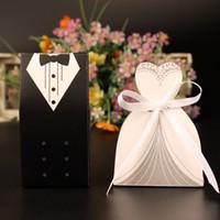 ingrosso scatole regalo del vestito da cerimonia nuziale-100pc / lot Elegante scatola di caramelle per la cerimonia nuziale Borsa dolce Bomboniere regalo per gli ospiti Abiti da sposa Sposo Decorazione del partito