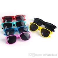 óculos de sol bonitos dos meninos venda por atacado-Crianças Meninos das Crianças Estilo Retro UV400 Bonito esportes Óculos De Sol Preto (Idade 4-10) preço de Fábrica mix cores differnt FREESHIPPING