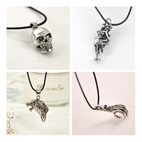 Wholesale Halloween Plastic Skeleton - Skull Necklace Pendant Pendant Necklace HALLOWEEN European men titanium jewelry wholesale