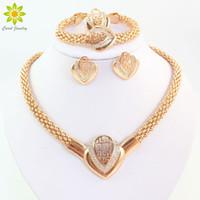 altın kaplamalı kostüm mücevheratı toptan satış-Kadın Moda Altın Kaplama Kristal Kolye Küpe Bilezik Yüzük Dubai Takı Afrika Boncuk Mücevher Kostüm