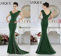 Wholesale Emerald Mermaid Prom Dress - Janique 2017 Emerald Green Mermaid Evening Dresses Formal V-Neck Lace Applique Short Sleeves Mother Evening Prom Dresses