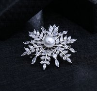 Wholesale Brooches Low Price - HOT Lower the price high-grade delicate snow brooch Professional suit accessories