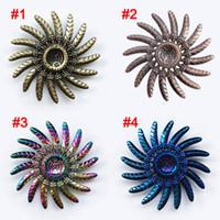 hilanderos de beyblade al por mayor-Rainbow Fidget Spinner Hand Spinners Pluma de águila Beyblade Metal Tri-Spinner Dedo Gyro EDC Autismo Alivio para el estrés descompresión Juguete