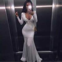 ingrosso semplici abiti semplici-Semplice pizzo bianco Appliques Mermaid Prom Dresses Long 2017 Ever Pretty Fashion Small Train Sexy Tromba scollo a V abiti da ballo eleganti