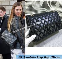 siyah kadın modası toptan satış-2018 kadın Moda Omuz Çantaları 30 CM Siyah Postu Büyük Kapitone Çift Flap Çanta bordo 1113 Kadın Hakiki Leathe Çanta