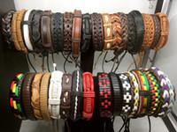 ingrosso leather cuff wristband bracelet-Lotti all'ingrosso dei monili di stile misto dei monili del braccialetto dei monili di modo del braccialetto del polsino del polsino del cuoio genuino delle donne degli uomini di 100pcs