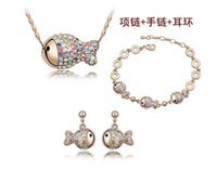 Wholesale Collections Necklace Earrings - Summer high-end fashion female girl full of diamond crystal jewelry rich clown popular color three-piece jewelry collection