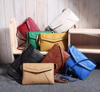 çapraz vücut askısı çanta çantası toptan satış-Rahat Bağbozumu Küçük Kadınlar Crossbody Çanta Kız Deri Messenger Çanta Retro Zarf Çanta Çanta Çanta Sling Omuz Çantası Ince