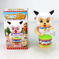 ingrosso molle a tamburo-Il tamburo del tamburo delle pecore del giocattolo della catena della primavera calda dei giocattoli dei bambini di Yiwu che vende la stalla delle merci