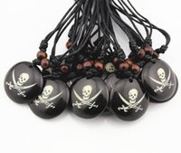 Vente en gros 12PCS Boy Men's Handmade Round Dog Tag Pirate Skull Charm Pendants Collier Cadeau Halloween MN352