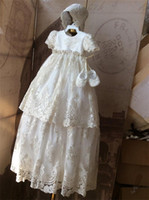 Wholesale Vintage Girls Bonnets - Vintage Lace Christening Gowns For Baby Girls Short Sleeves Appliqued Beads Baptism Dresses With Bonnet First Communication Dress