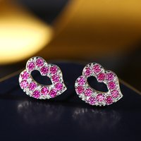 Encre estampée à la main s925New 925 Sterling Silver Lady's Red Cubic Zircon Cute Lip Stud Earrings Bonne qualité Dessins de fille pour cadeaux de Noël