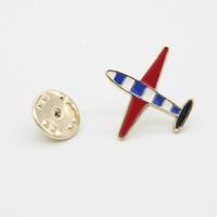 broches de avión al por mayor-Camisa de traje Collar Pin Europa Esmalte Esmalte Mini Broches de avión para mujer Hombre Creativo Masculino Pins Mejor regalo Broches Avión