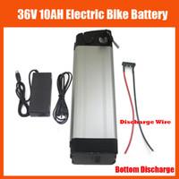 piles vélo 36v achat en gros de-Batterie de vélo électrique rechargeable au lithium de poissons de 36V 10AH de batterie de vélo électrique de 36V 10AH avec le chargeur 42V 2A et la décharge inférieure de 15A BMS