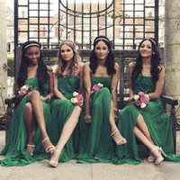 vestidos de dama de honor sin espalda verde al por mayor-Vestidos de dama de honor largos sin tirantes de gasa verde oscuro para la boda 2017 Side Split Backless Vestido de dama de honor Vestidos de fiesta formal Vestidos baratos
