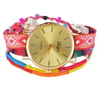Gros-ethnique Montres Fille Femmes Multilayer Weave Bracelet Band Colorful Montre cadran en or dames Quartz Montres bracelet de perles