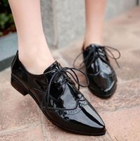 Atacado- Moda Shiny Pointed Toe Mary Jane Flat Oxford Causal Shoes Plus Size34-43 Lace Up Low Heel Brogue Oxfords Shoes Zapatos Mujer