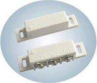alarmas de puerta de contacto magnético al por mayor-Interruptor de puerta de 10 pares / lote Entrada de puerta / ventana magnética con cable para el sistema de alarma W N.O / N.C Salida MC-31B