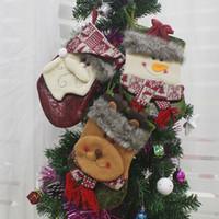 sacs cadeaux 15cm achat en gros de-21 * 13 * 15cm Moyenne Bas De Noël Sacs De Bonbons Bonhomme De Neige Elk Père Noël Cadeau Sacs Arbre De Noël Ornement Suspendu