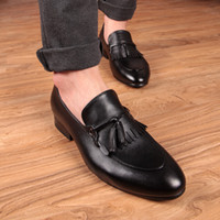 Wholesale Charming Black Men Dress Shoes - Slender toes, quality leather tassel dress Oxford Shoes men's slide charm shoes United Kingdom Korea style fashion wedding