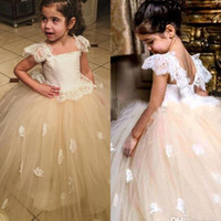 Wholesale Cute Little Girl Dressed Sexy - Cute Top White Lace Flower Girls Dress 2016 Short Sleeve Girls Pricess Ball Gowns Little Kids First Communion Sexy Toddler Pageant Dresses